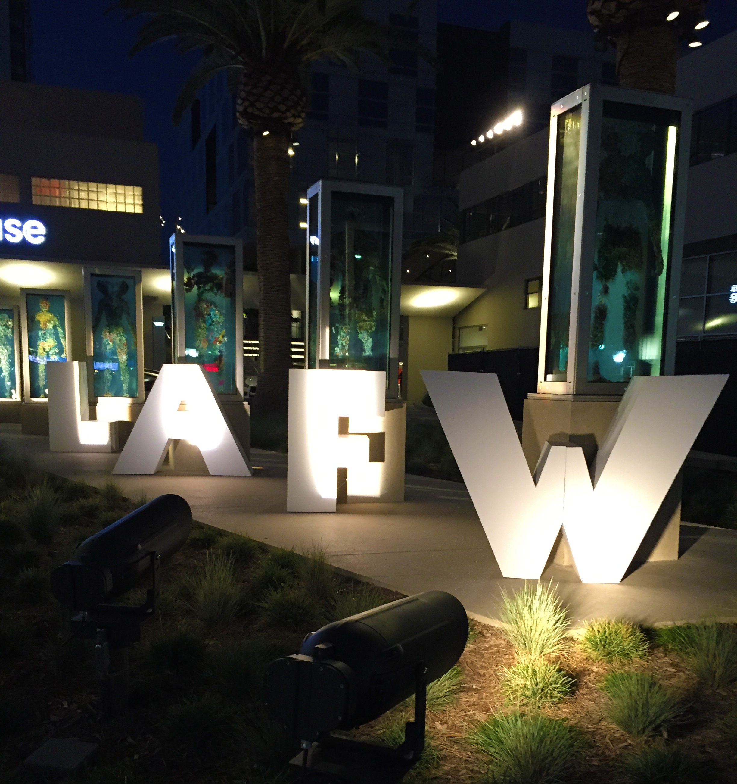 LA Fashion Week - Hamptons to Hollywood 2016